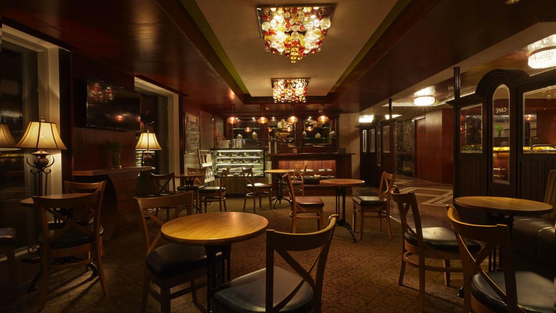 Hearth Bakery, Hablis Hotel Chennai, Restaurant in Chennai 2