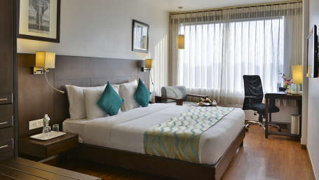 1589 Hotels  Premium King Size BEd