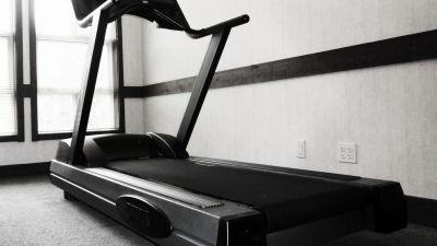 Fitness centre at Hotel Marine Plaza Mumbai