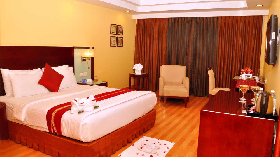 Deluxe Rooms 2, Gokulam Park Sabari, Rooms in Chennai