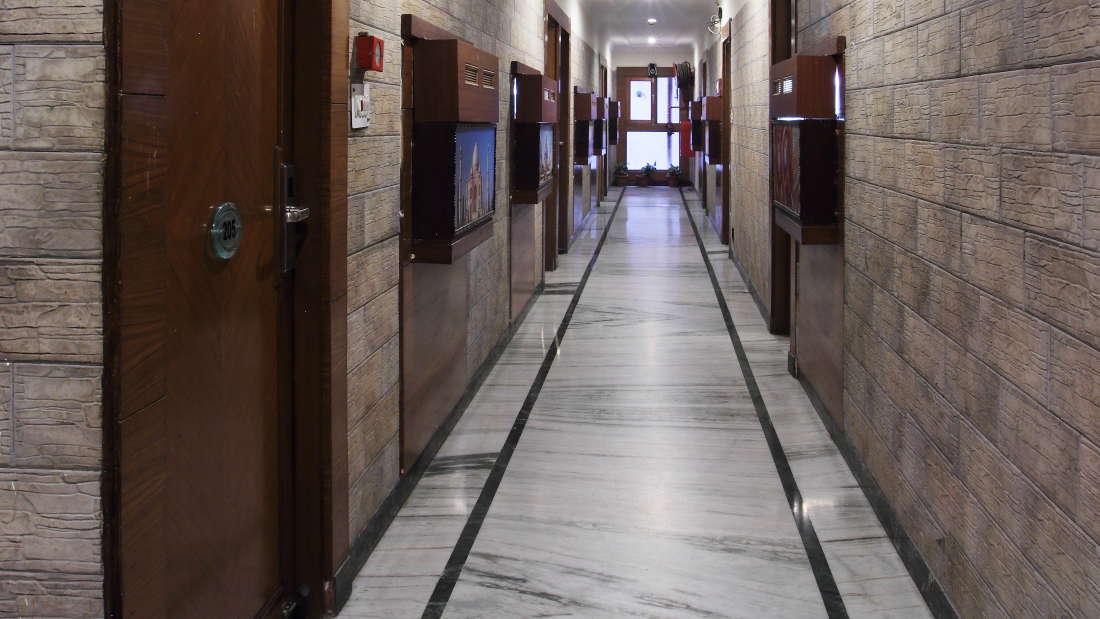 Hotel Hari Piorko - Paharganj, New Delhi New Delhi Corridor Hari Piorko Paharganj New Delhi 5