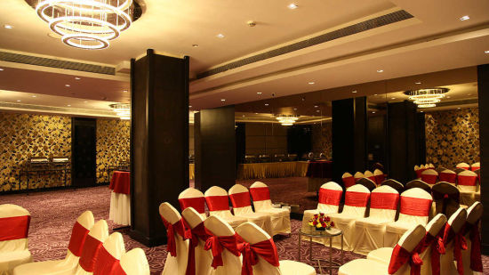 Banquets at Grand Hometel Mumbai, hotels near malad railway station