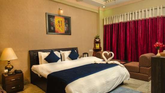 Deluxe Rooms Hotel Meenakshi Udaipur 2