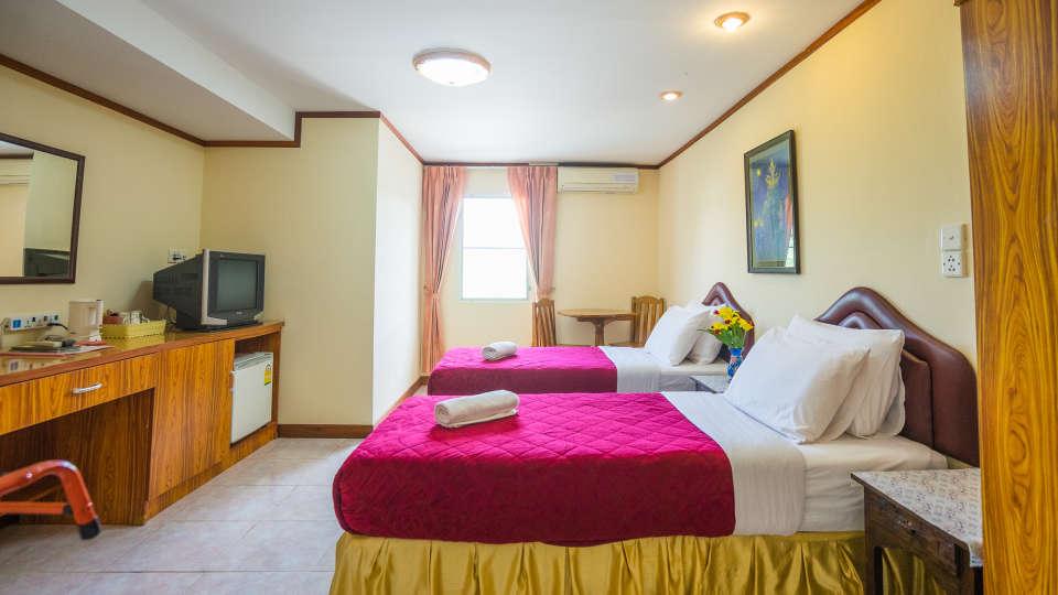 Hotel The Britannia, Chiang Mai Chiang Mai Deluxe Share Twin Room Hotel The Britannia Chiang Mai 2