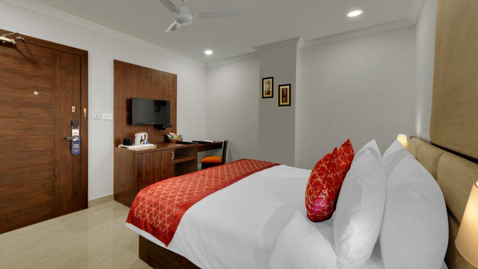 Avins Beacon Hotel in Udaipur Deluxe Room 5