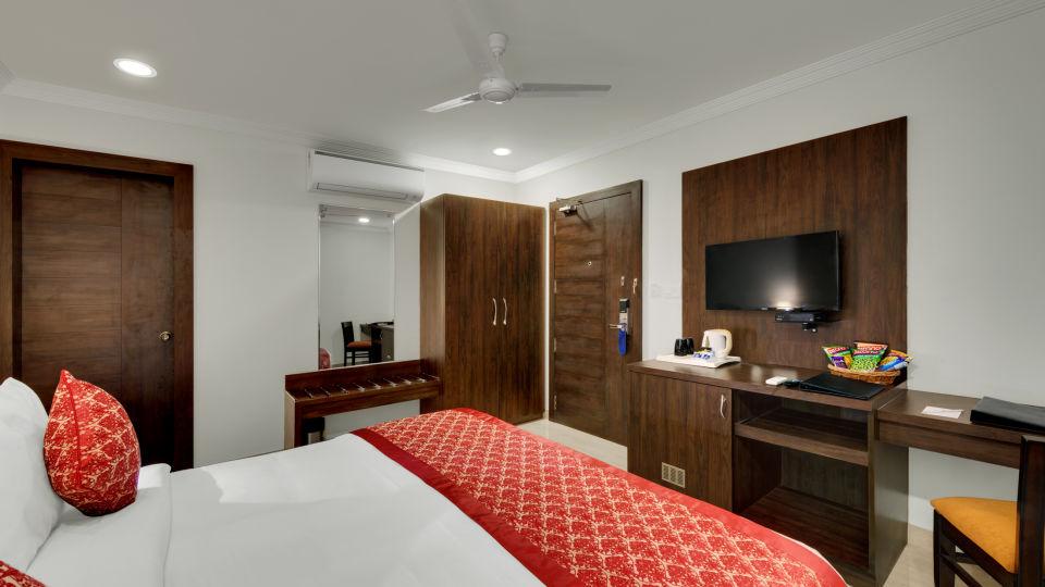 Avins Beacon Hotel in Udaipur Deluxe Room 6