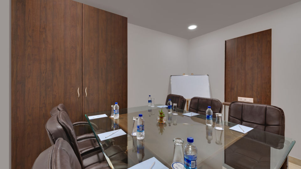 Avins Beacon Hotel in Udaipur Meeting Room