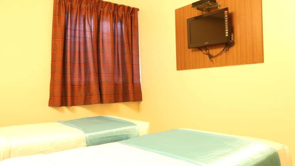 Hotel Ashiyana   Shivaji Nagar, Pune Pune Standard AC Rooms Hotel Ashiyana Shivaji Nagar Pune4