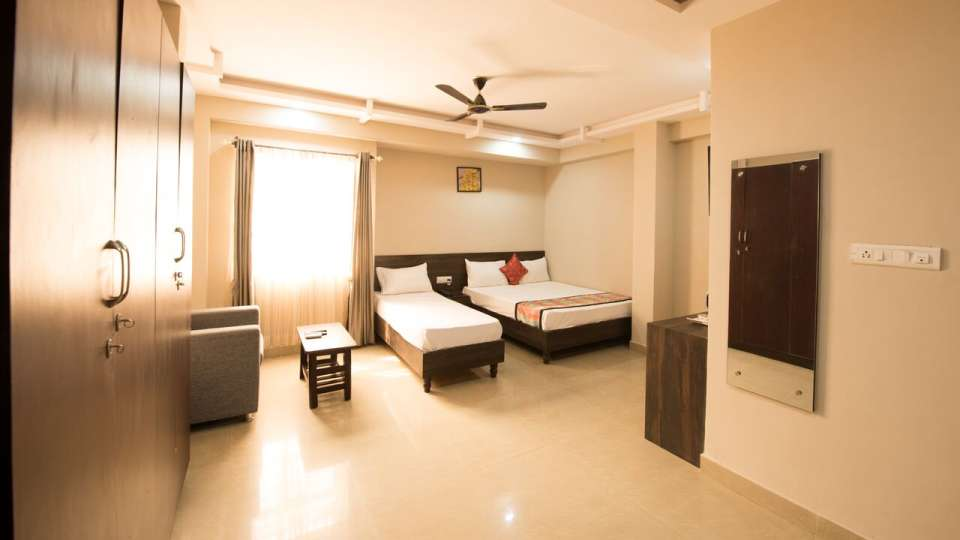 Deluxe Room Central Suites Koramangala Bangalore Hotel in Koramangala