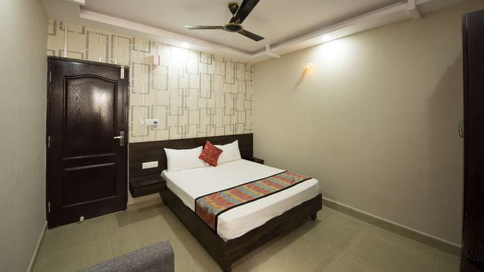 Standard Room Central Suites Koramangala Bangalore Hotel near Forum Mall
