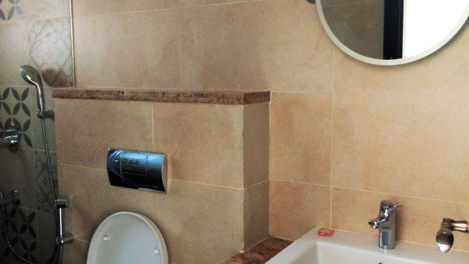 Lounge Room Bathroom