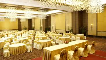 Conference Hall at The Retreat Hotel Mumbai , banquet halls in madh island 4
