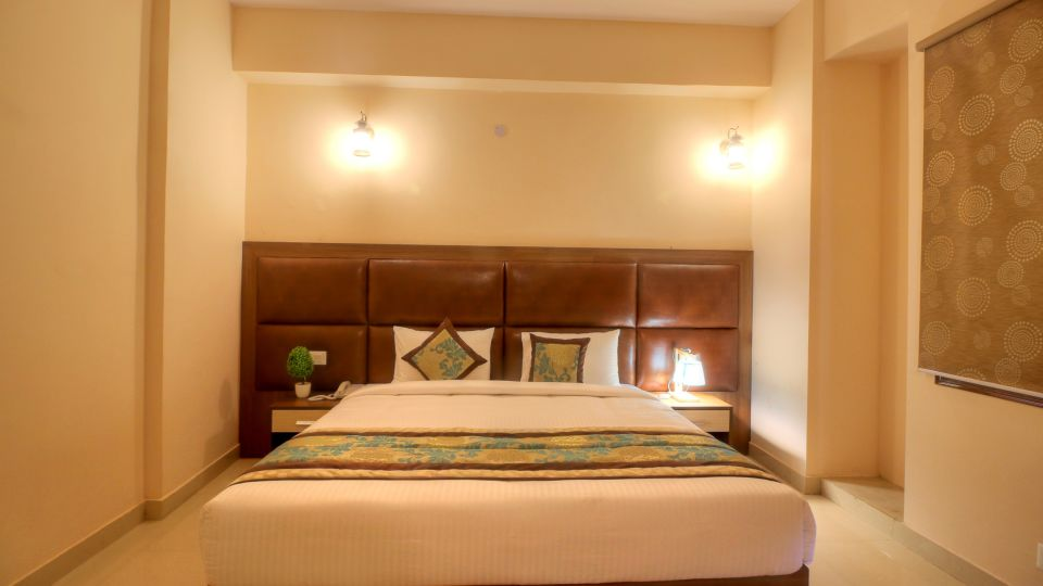 Rooms in Greater Greater noida, Hotel rooms near India Expo, Atithi Suites, Greater noida