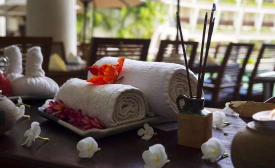 massage-therapy clarks amer spa hotel in jaipur