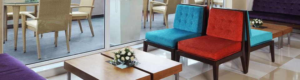 Lobby Hometel Chandigarh 1