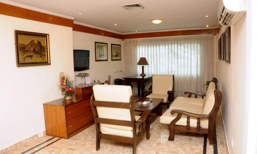 alt-text Suites in kolkata  Polo Floatel Calcutta Kolkata  Budget Hotels in Kolkata 3