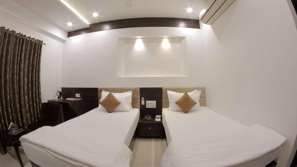 Hotel Summit, Ahmedabad Ahmedabad  T8 1592