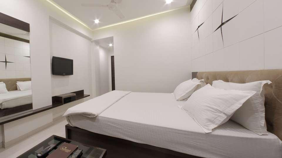 Hotel Summit, Ahmedabad Ahmedabad  T8 1602