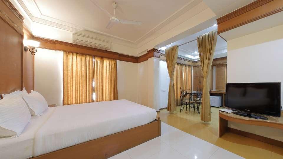 Hotel Summit, Ahmedabad Ahmedabad  T8 1620