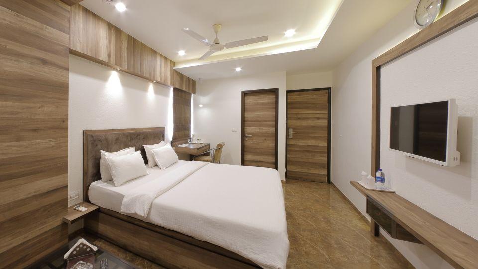 Hotel Summit, Ahmedabad Ahmedabad  T8 1574
