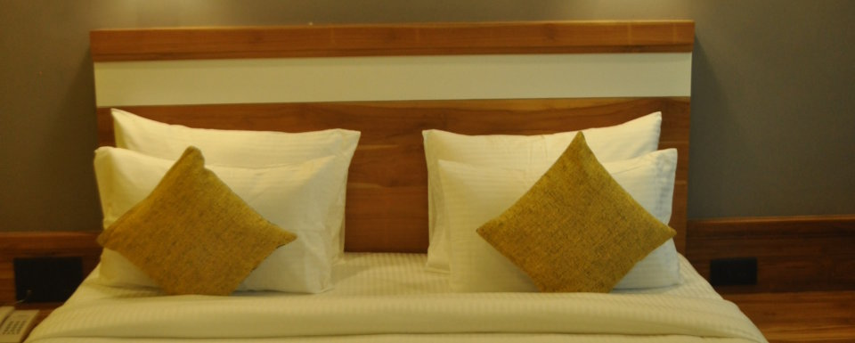 Pool View Suites, The Golden Tusk, Suites in ramnagar 2