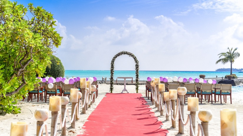 balloons-beach-beach-wedding-169211