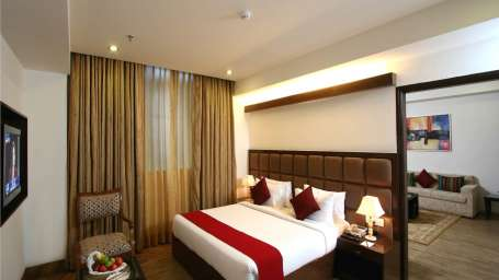 Executive Rooms Taurus Sarovar Portico New Delhi 2