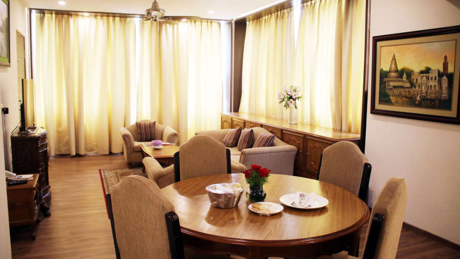 Suite in Lucknow, Clarks Avadh 5 Star Hotel in Lucknow, hotel near gomti river in Lucknow 231q