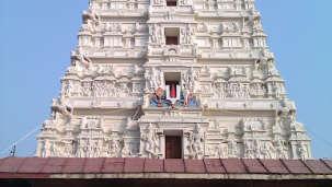 Explore Vrindavan | Hotel Nidhivan Sarovar Portico