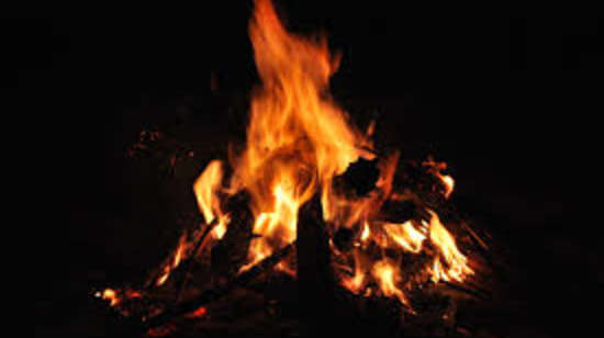 camp fire at Larisa Mountain Resort in Manali - Things to do in Manali