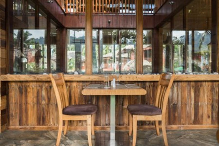 alt-text black lemon restaurant, coral reef resort, hotel in havelock