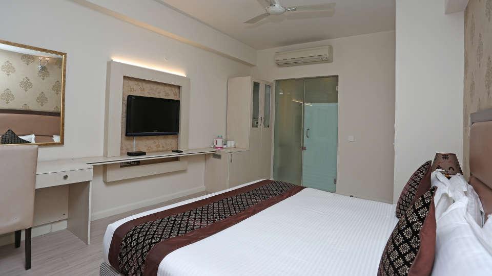 Rooms Emblem Hotels 1