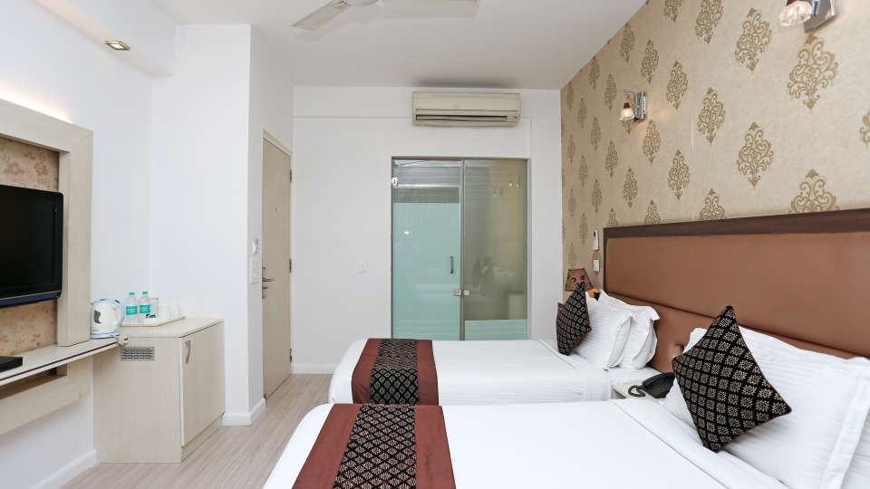 Rooms Emblem Hotels 4