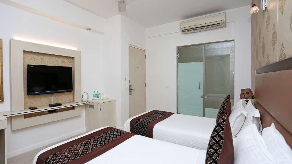 Rooms Emblem Hotels 5