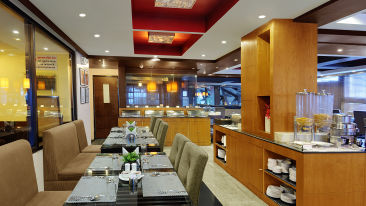 Renest River Country Resort  Manali restaurant 2