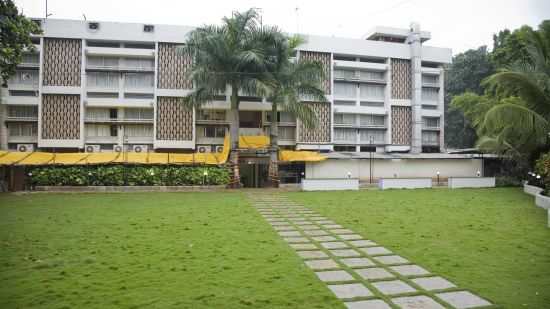 Valerina Lawn at Kamfotel Hotel Nashik, Part Lawns in Nashik 2