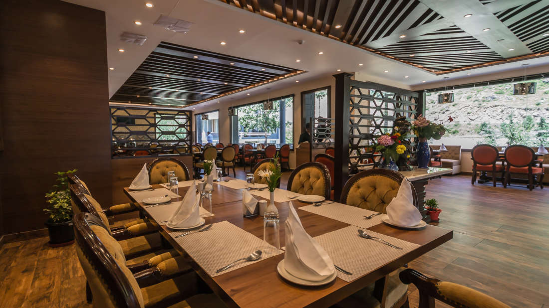 Ice n Spice, The Highland Park, Restaurant in Manali2