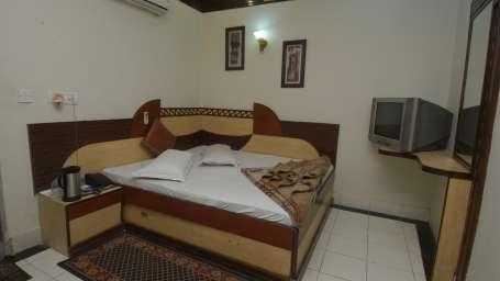 Hotel Shiv Palace, Paharganj, Delhi New Delhi Double Deluxe Room Hotel Shiv Palace Paharganj Delhi