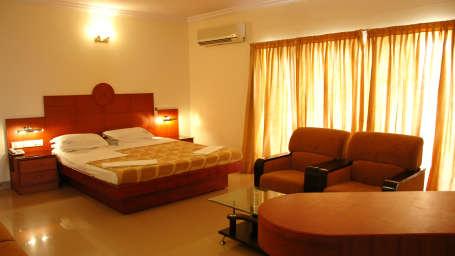Hotel Suvarna Regency, Hassan Hassan Suite at Hotel Suvarna Regency in Hassan CIty