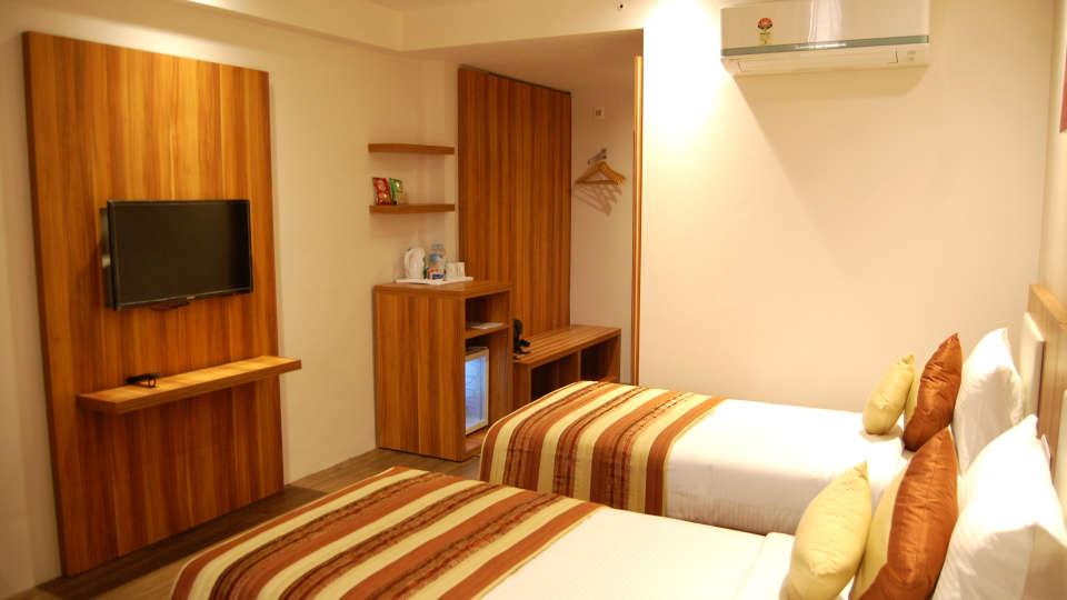 Le ROI Udaipur Hotel Udaipur Deluxe Silver Room Le Roi Hotel Resorts Udaipur