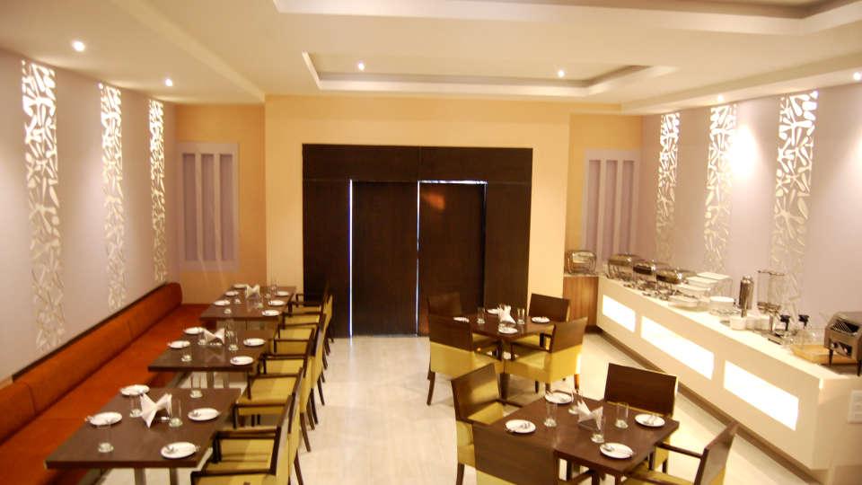 Le ROI Udaipur Hotel Udaipur Dining Delhi Darbar Restaurant Hotel Le Roi Udaipur 3
