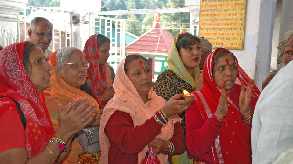 Gangotri Devotees Offer Prayer The Chardham Camps Uttarkashi