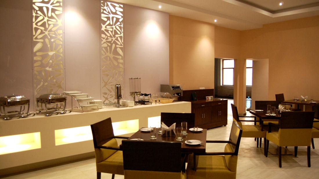 Le ROI Udaipur Hotel Udaipur Dining Delhi Darbar Restaurant Hotel Le Roi Udaipur 7