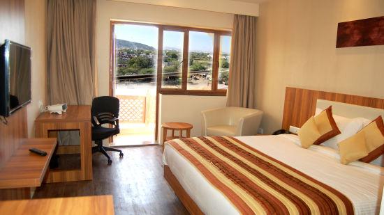 Le ROI Udaipur Hotel Udaipur Deluxe Silver Room Le Roi Hotel Resorts Udaipur 2