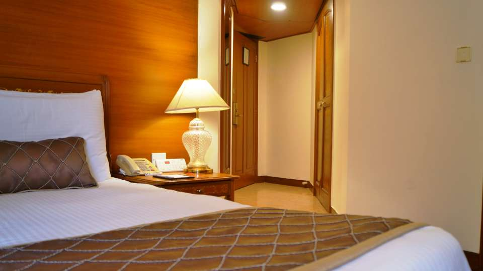 Hotel Room in Mumbai, The Ambassador, Stay in Mumbai  348