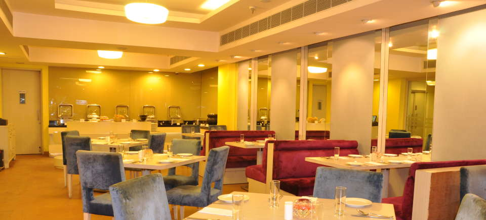 cafe 9 restaurant at Hotel Sarovar Portico Naraina