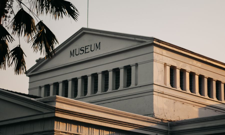 alt-text low-angle-photo-of-white-museum-during-golden-hour-1310110