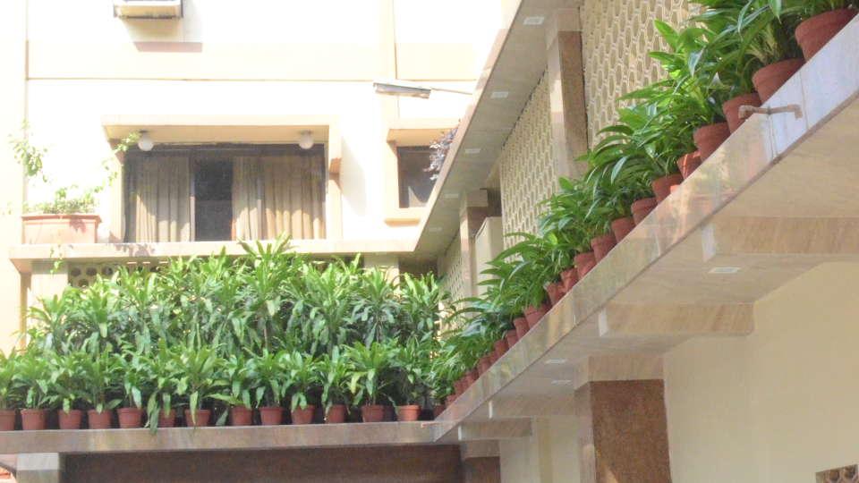 Lytton Hotel, Kolkatta Kolkata Entrance Lytton Hotel Kolkata 3