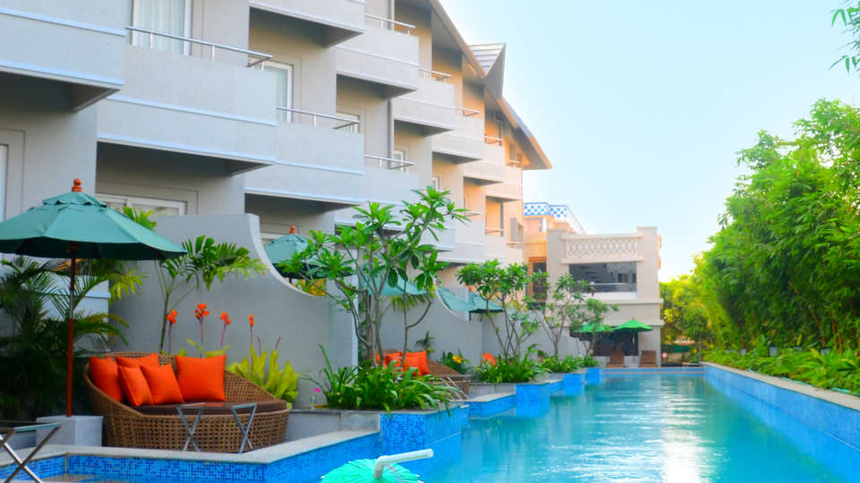 Swimming Pool, Pramod Convention & beach Resort Puri
