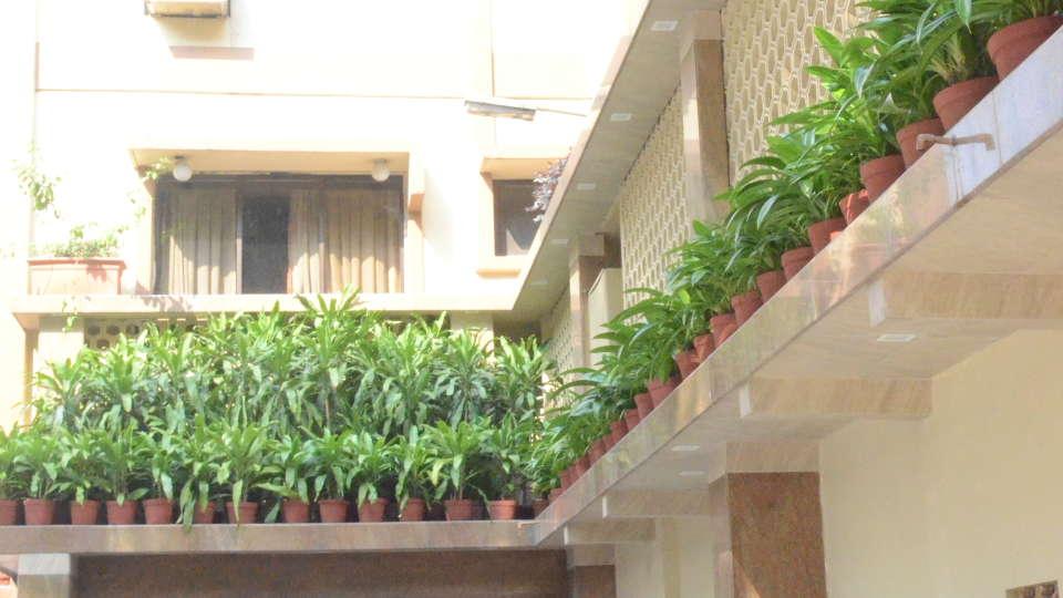 Lytton Hotel, Kolkatta Kolkata Entrance Lytton Hotel Kolkata 4